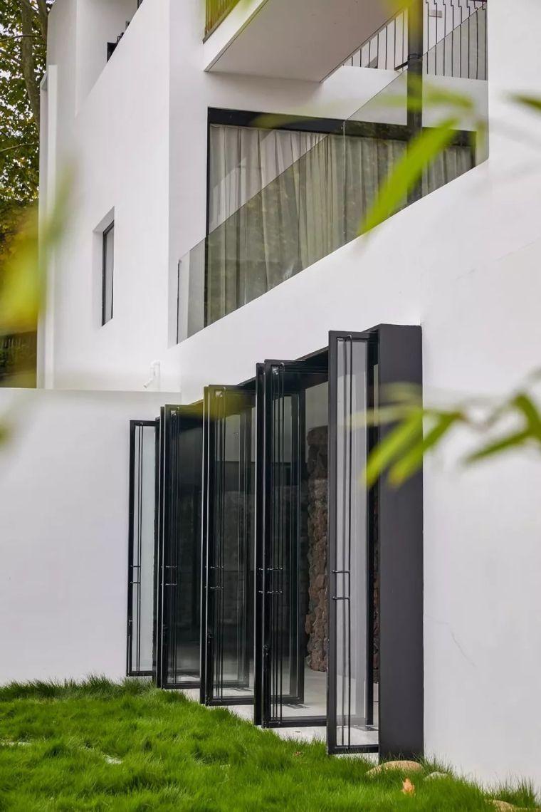 水泥厂改造成民宿,自然简约的设计就是这么美_5