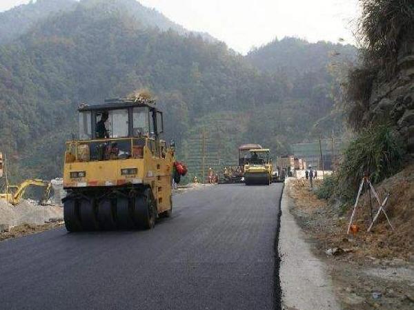低温环境沥青路面施工工艺