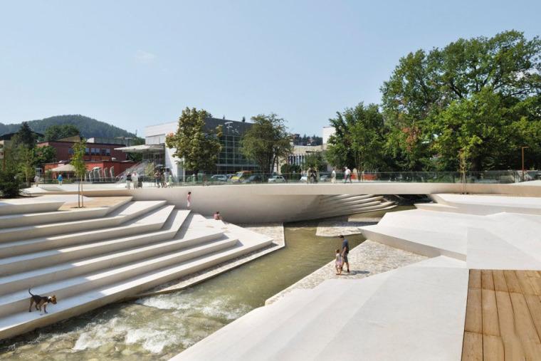 斯洛文尼亚滨水长廊景观