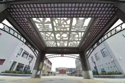 """""""超乎想象""""的新式校园 解密校园建筑背后的故事"""