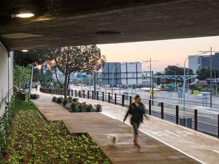 西班牙自行车道和人行道改造