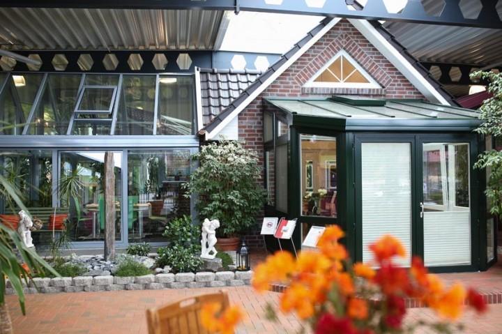 给别墅阳光房业主的4个选材及绿植搭配建议,搭前必看