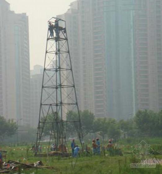[上海]软土地区超高层建筑勘察设计报告-XY-4 型岩芯钻机施工作业