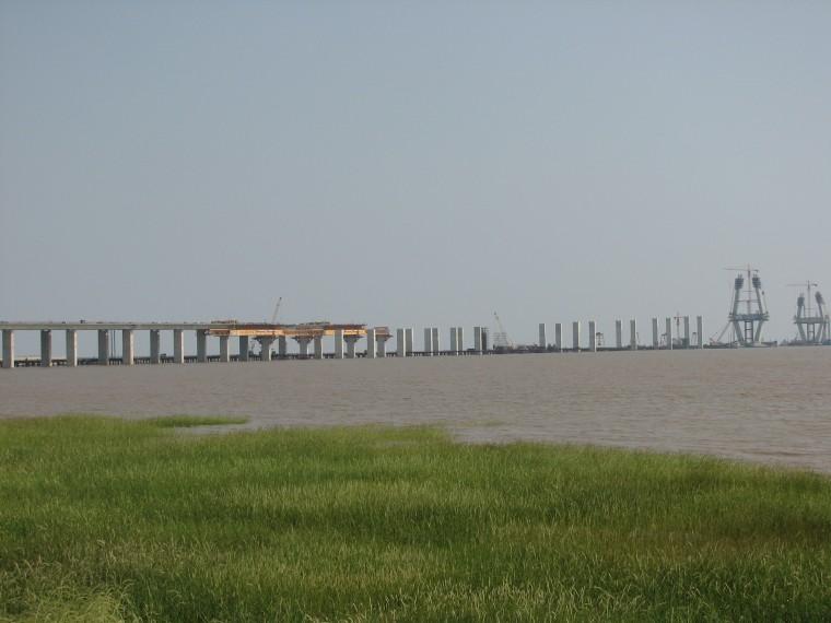 跨海大桥工程移动模架拆除方案