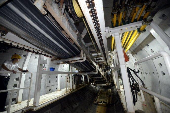 厦门地铁施工现场照片,看看大机械