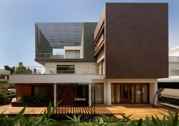 印度体形错落的立方体住宅