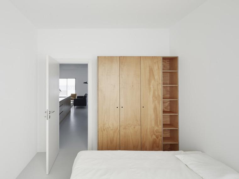 葡萄牙Beato极简公寓改造-007-Beato-Apartment-Renovation-by-Arriba