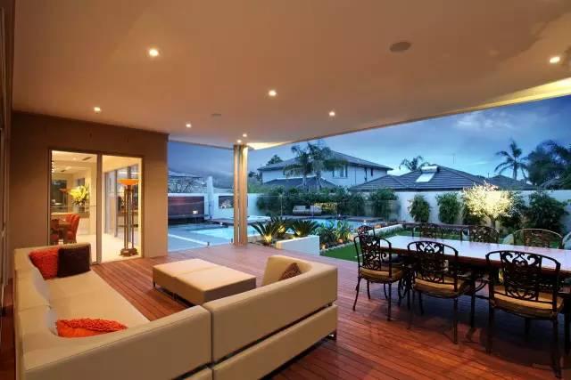 赶紧收藏!21个最美现代风格庭院设计案例_64