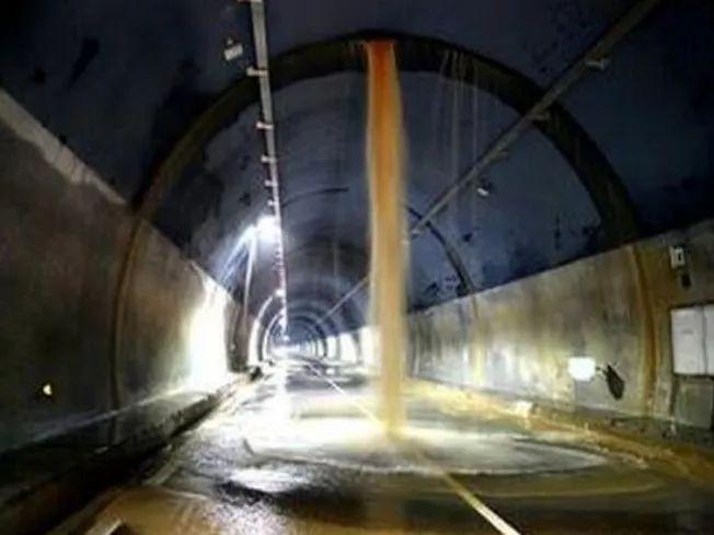 隧道工程施工的难点技术对策_7