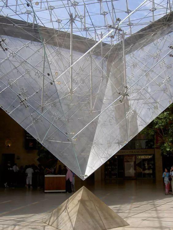 致敬贝聿铭:世界上最会用「三角形」的建筑大师_45