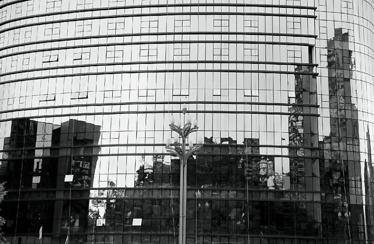 四川:若无特殊要求 建筑不得大面积采用玻璃幕墙