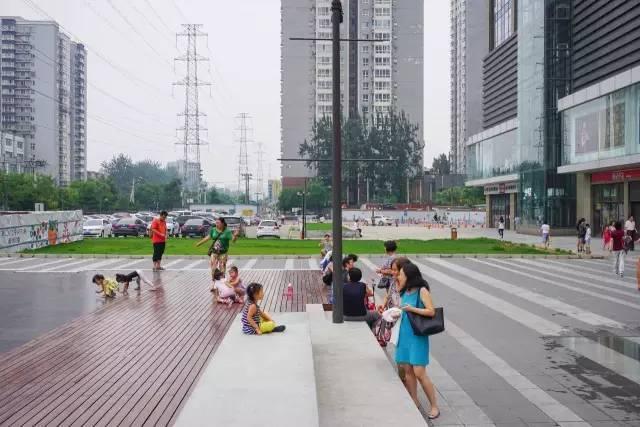 一个单词产生的设计灵感,结果火了北京的商业广场~_39