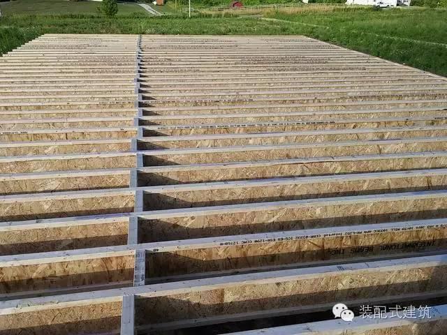 美国农村建房全程实拍——装配式木结构施工,速度快、性能好!_11