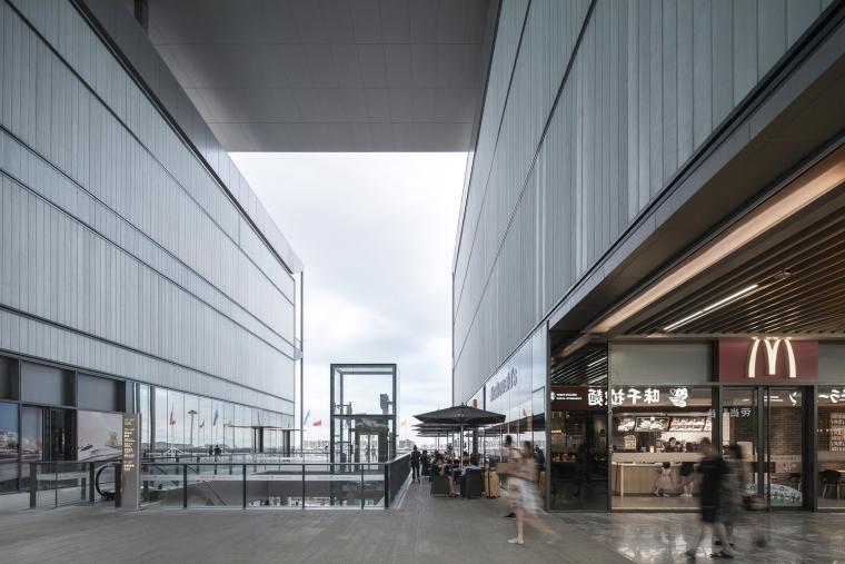 凤凰国际机场停车楼综合体-6