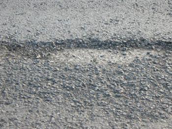 公路沥青路面病害成因及对策