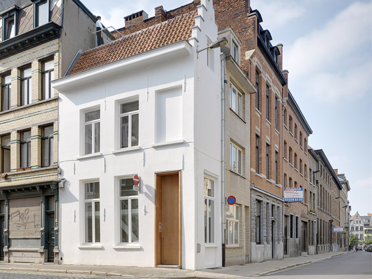 比利时一室小型酒店建筑-001-One-Room-Hotel-by-dmvA-architects_副本