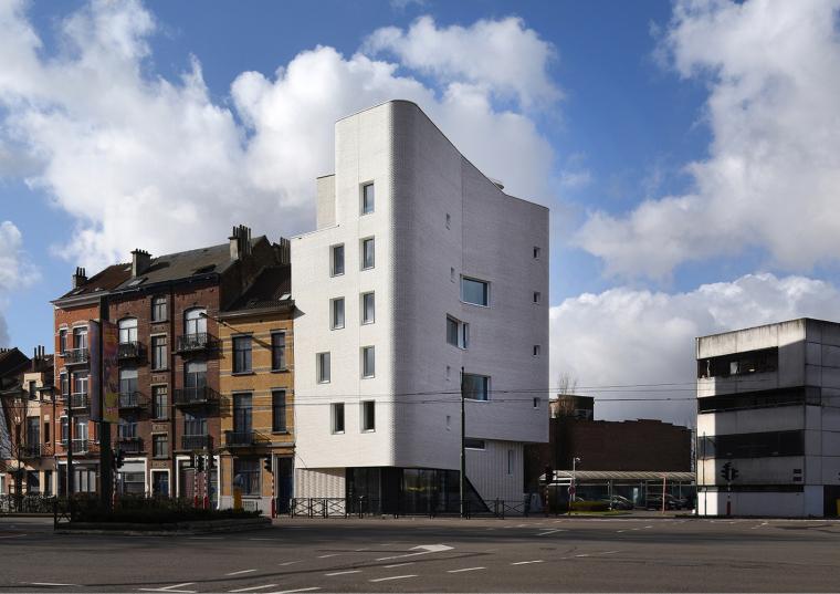 比利时Navez五户社会住宅楼