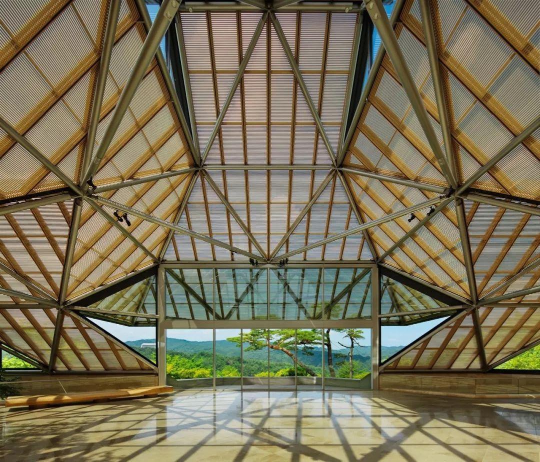 致敬贝聿铭:世界上最会用「三角形」的建筑大师_60