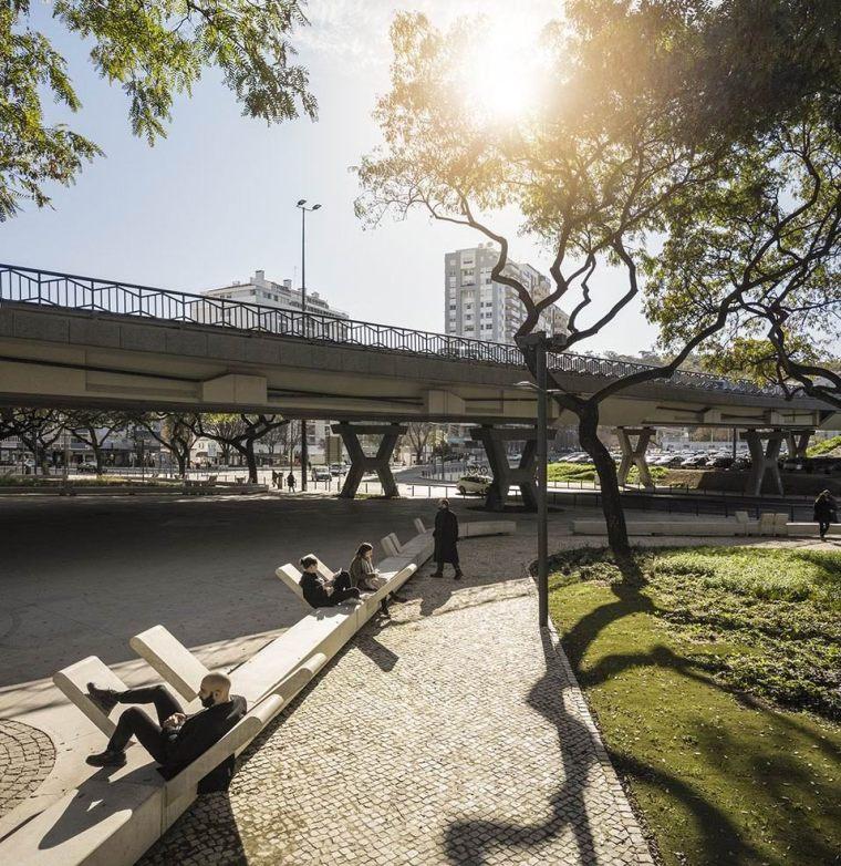 葡萄牙里斯本泉池公园-5aed0a57ce07c